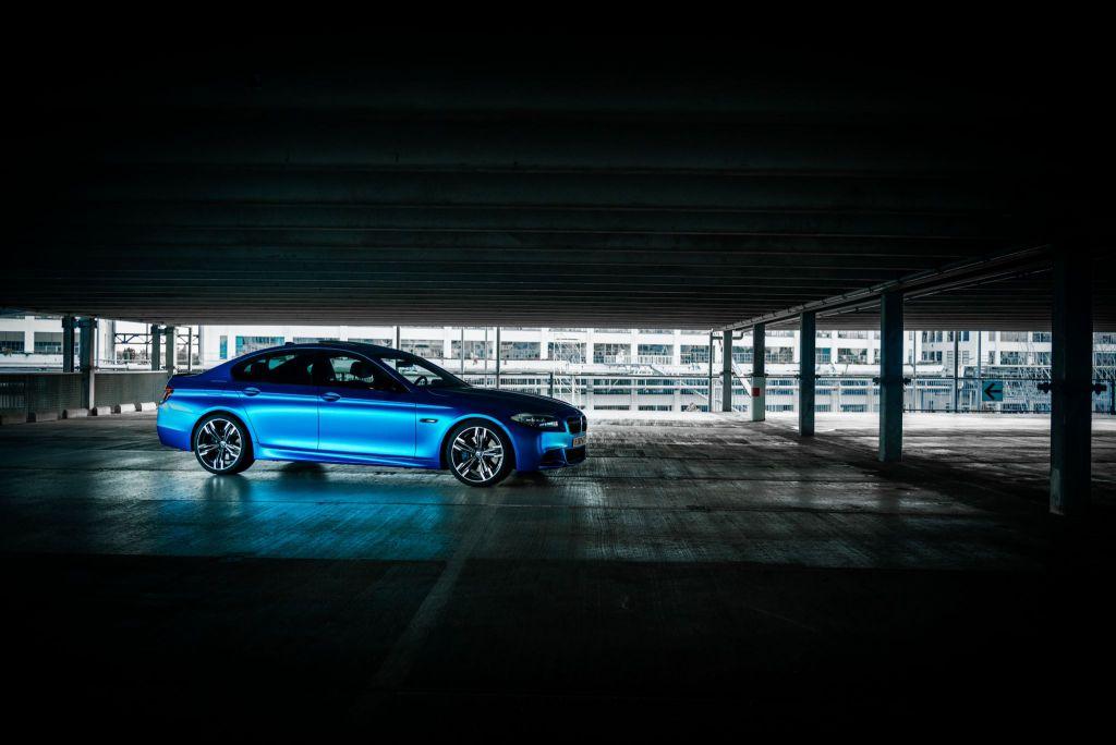 Carwrap BMW M550d APA Chrome