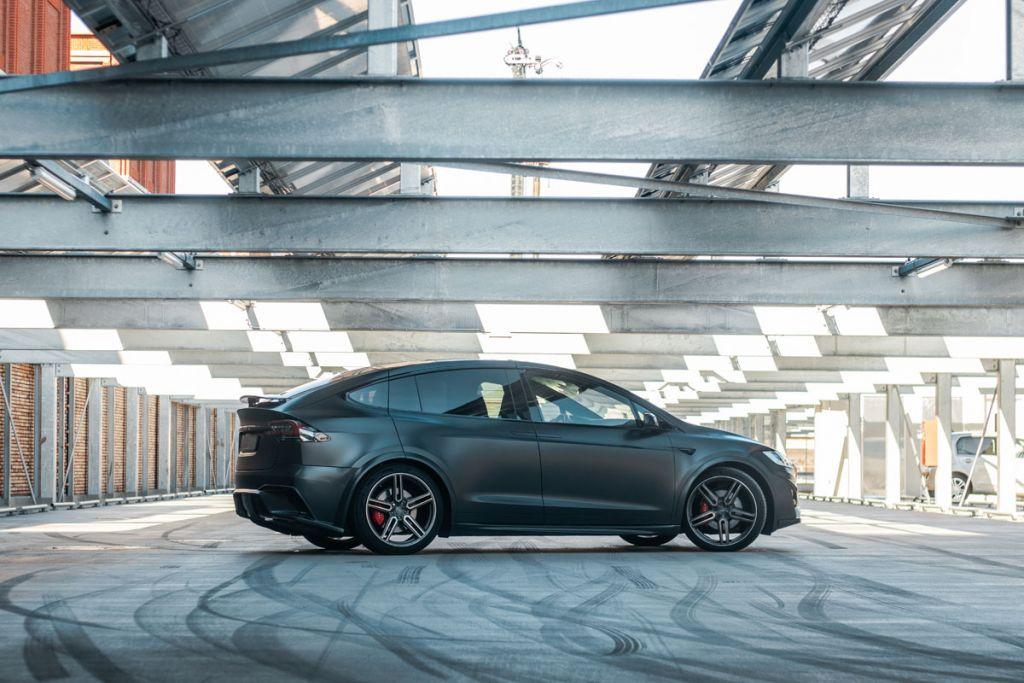 Carwrap Tesla Model X Unplugged Performance