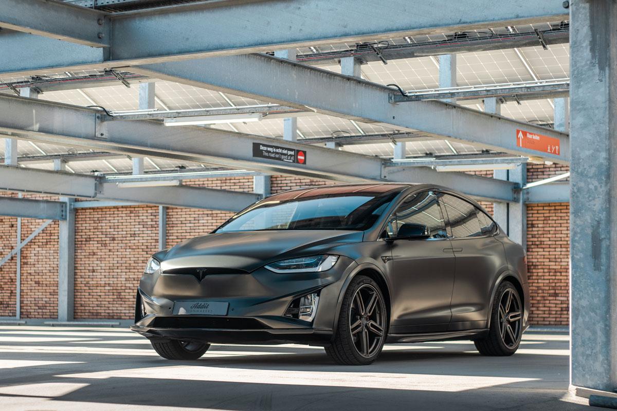 Carwrap Tesla Model Y Eindhoven
