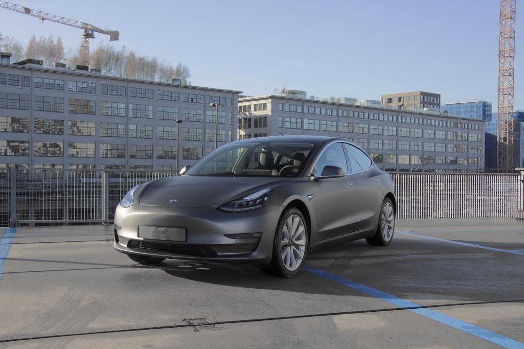 Tesla Model 3 Carwrap Matte Dark Grey Eindhoven