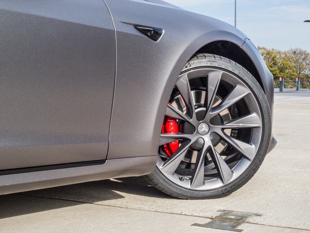 Tesla Model S Chrome delete Eindhoven