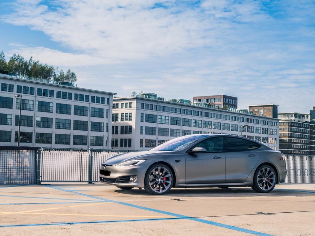 Carwrap Tesla Model S Satin Dark Grey