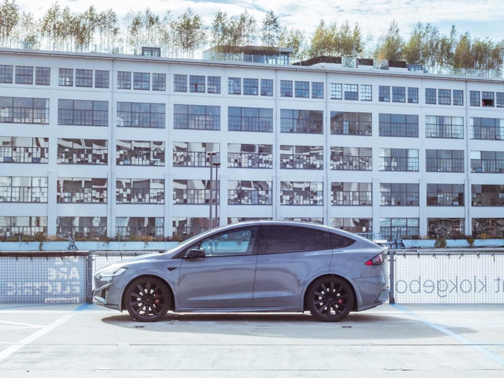 Carwrap Tesla Model X Nardo Grey