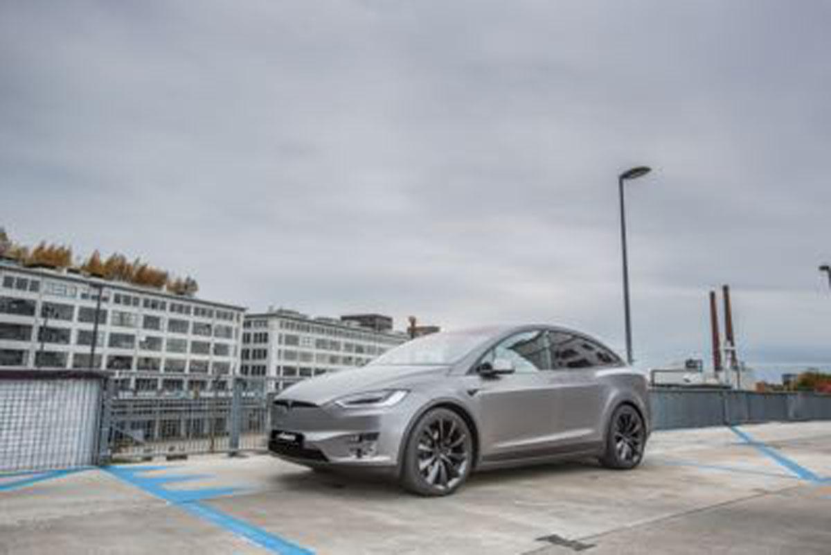 Tesla carwrap eindhoven