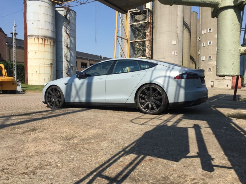 Tesla Model S 3m 1080 Satin Battleship grey auto wrappen Eindhoven